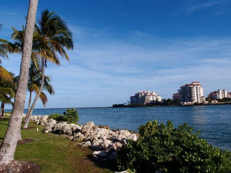 fisher island florida florema immobilien in florida. Black Bedroom Furniture Sets. Home Design Ideas