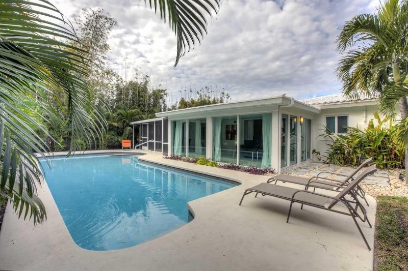 villa bombay fort lauderdale florema immobilien in florida. Black Bedroom Furniture Sets. Home Design Ideas