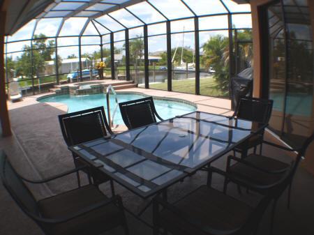 villa venezia cape coral florema immobilien in florida. Black Bedroom Furniture Sets. Home Design Ideas